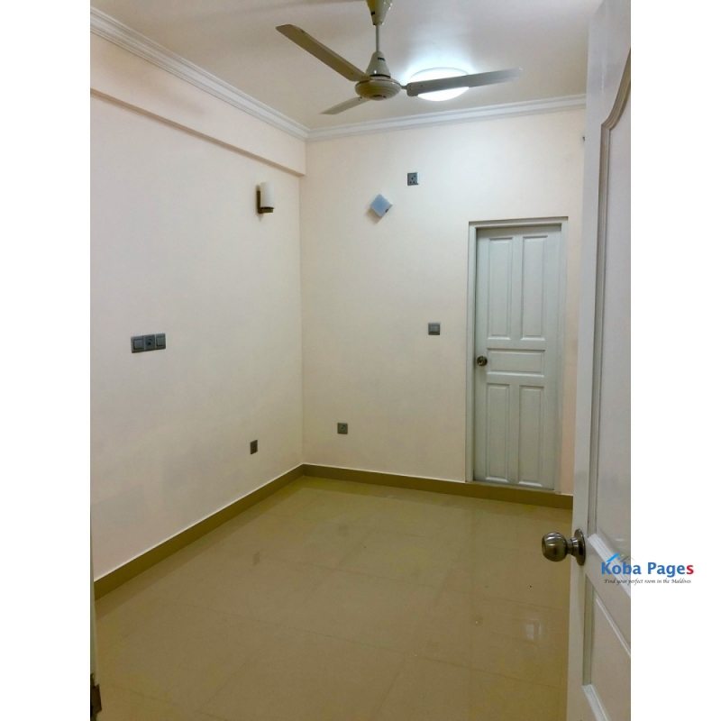 3 bedroom apartment with attached toilet