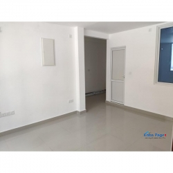 3 bedroom duplex unit for accommodation/office/commercial use