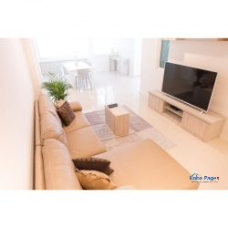 High-end Luxury 3 Rooms Apartment with Maid-room (2500sq Feet)